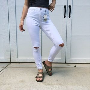 Topshop MOTO Leigh White Ripped Knee Jeans